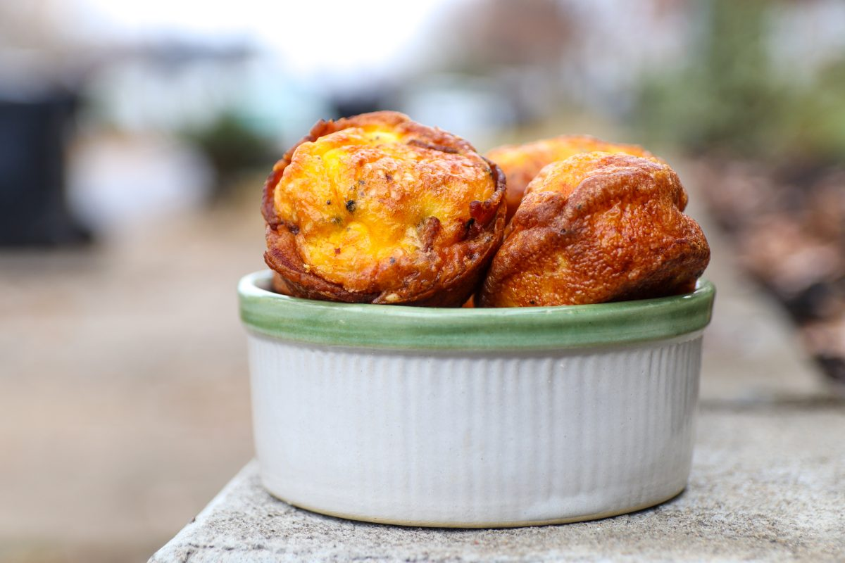 Keto Egg Bites With Bacon Crust